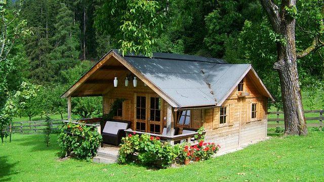 Maison ossature en bois ou en béton : laquelle choisir ?